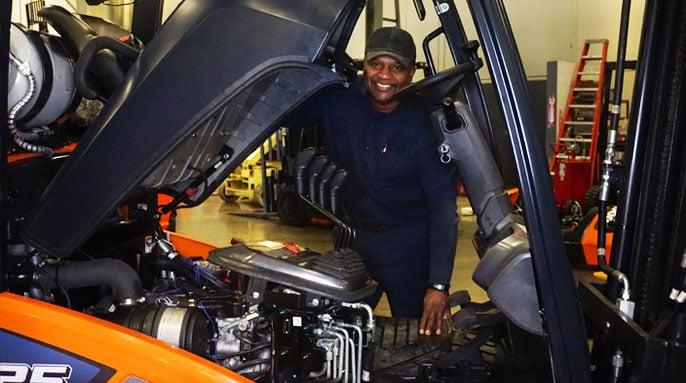 Doosan Forklift Technician